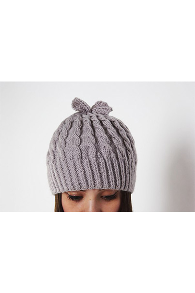 Фото серой шапки